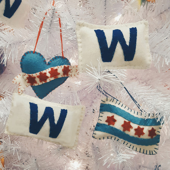 Cubs W Flag Plush Ornament Foursided - Foursided