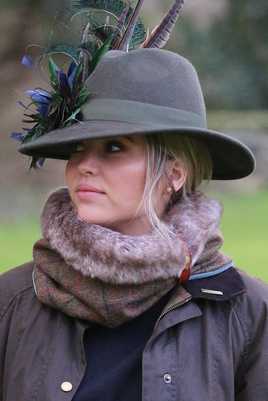 Cheltenham cuff snood