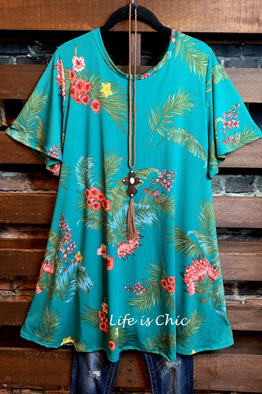 PALM SPRINGS FLORAL DRESS IN GREEN MIX------sale