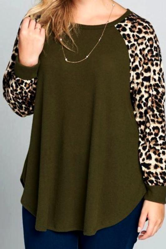 EVERYDAY IN THE WINTER SO SOFT SWEATER TOP IN OLIVE