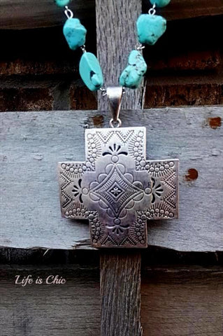 MYSTIC TASSEL CROSS NECKLACE TURQUOISE