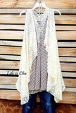 INFINITE LOVE LACE SLEEVELESS TOP IN BEIGE MIX