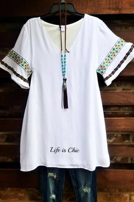 BEAUTIFUL EMBROIDERED TUNIC IN WHITE - sale [product vendor] - Life is Chic Boutique