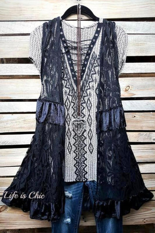 PRETTY PRECIOUS EMBROIDERED LACE TUNIC IN BEIGE