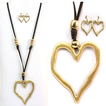 RUSTIC VICTORIAN HEART NECKLACE & EARRING SET GOLD COLOR