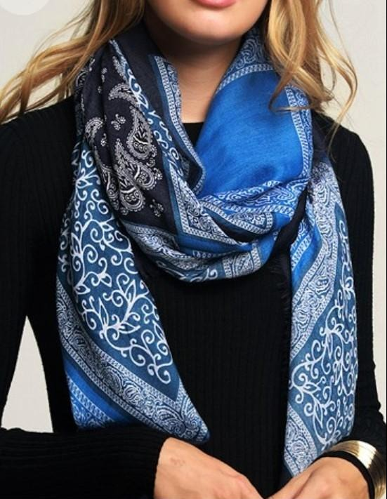 THE NAVY BLUE CHARM SCARF