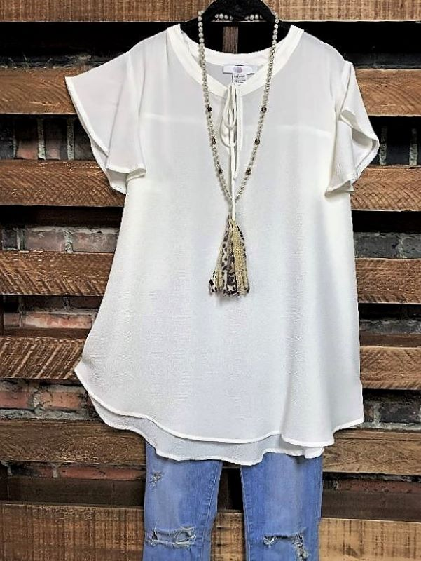 NEW BEGINNINGS BLOUSE IN IVORY