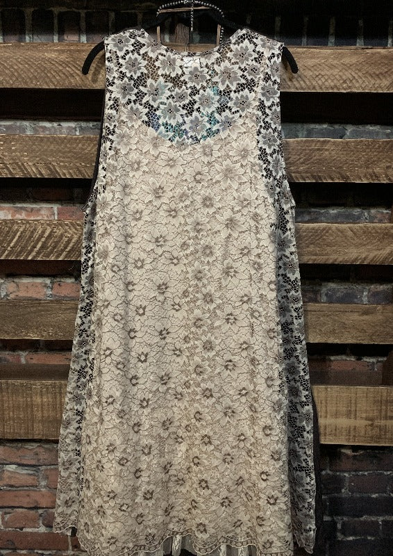 FREE SPIRIT LACE STYLISH DESIGN VEST IN BROWN  S-3X