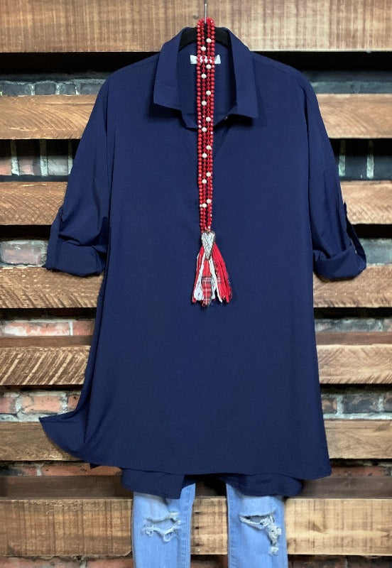 ANYWHERE SHE GOES SHIRT TUNIC LIGHTWEIGHT IN NAVY BLUE