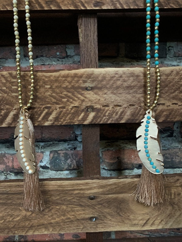 ALONE FEATHER TASSEL NECKLACE IN TURQUOISE