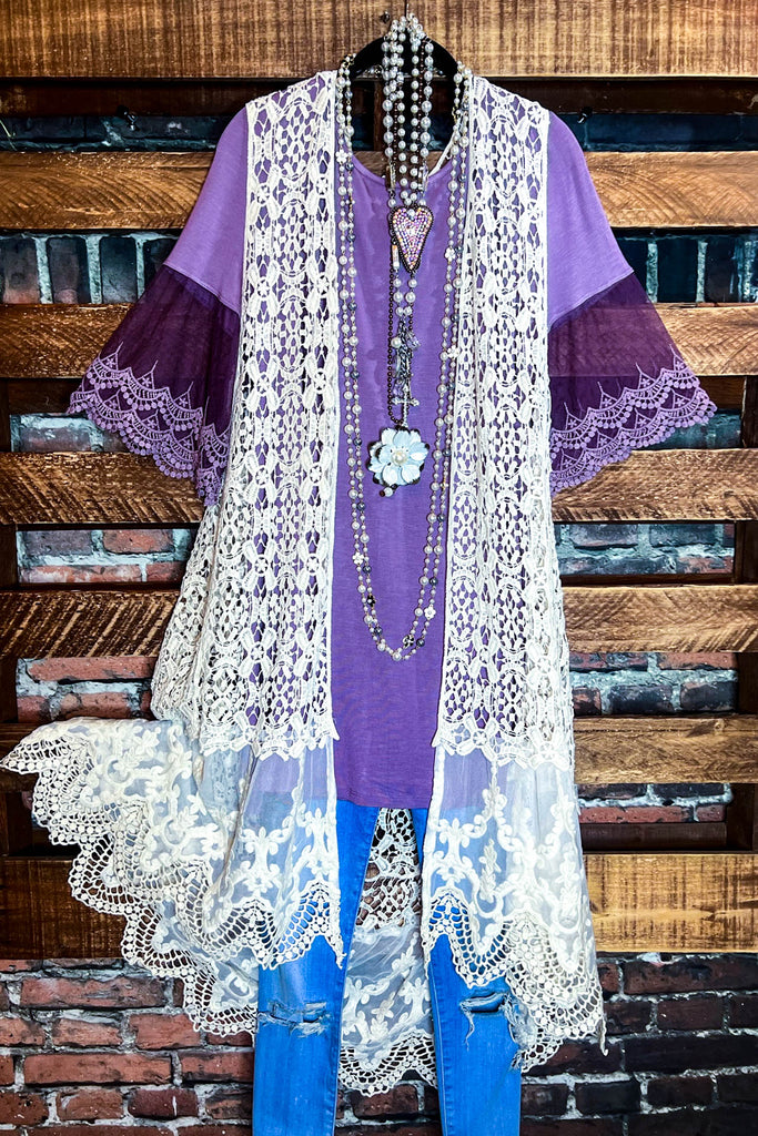 A LOVE THAT WILL LAST FOREVER LACE BELL SLEEVE TUNIC IN BURGUNDY