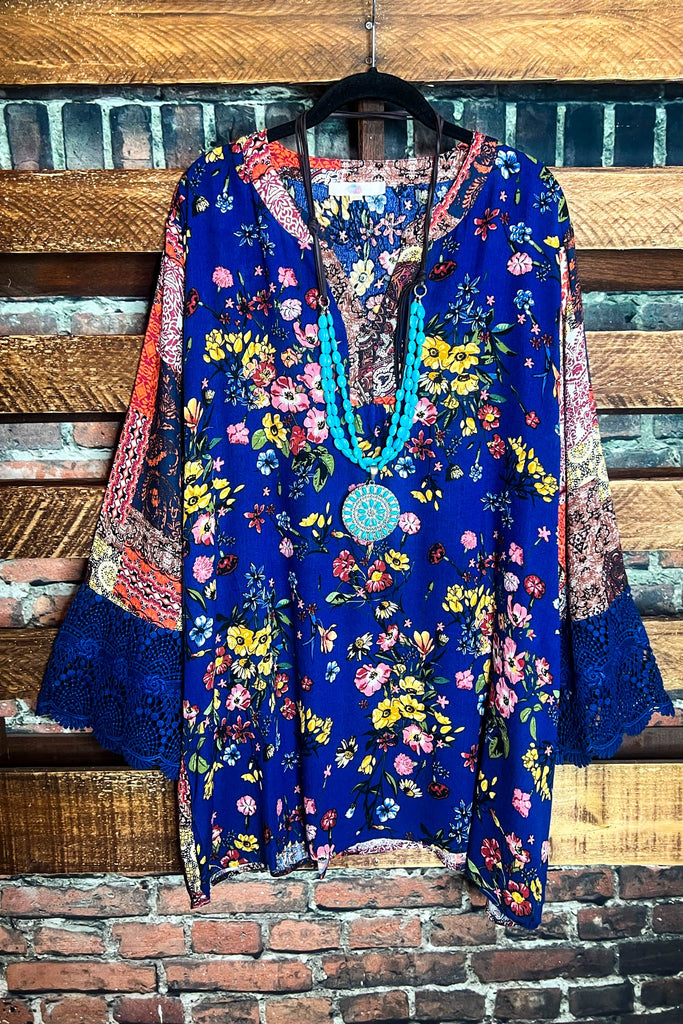 A FAIRYTALE DREAM LACE DRESS IN TAUPE
