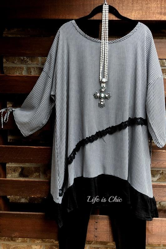 ELEGANCE OF BEAUTY BLACK AND WHITE TUNIC [product vendor] - Life is Chic Boutique