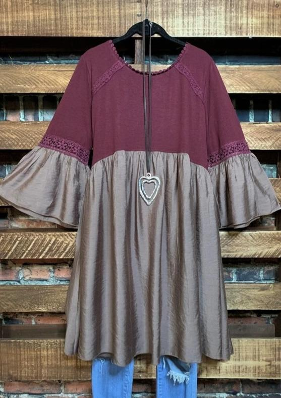 FEELING GROVY EMPIRE WAIST BABYDOLL DRESS IN BURGUNDY & TAUPE