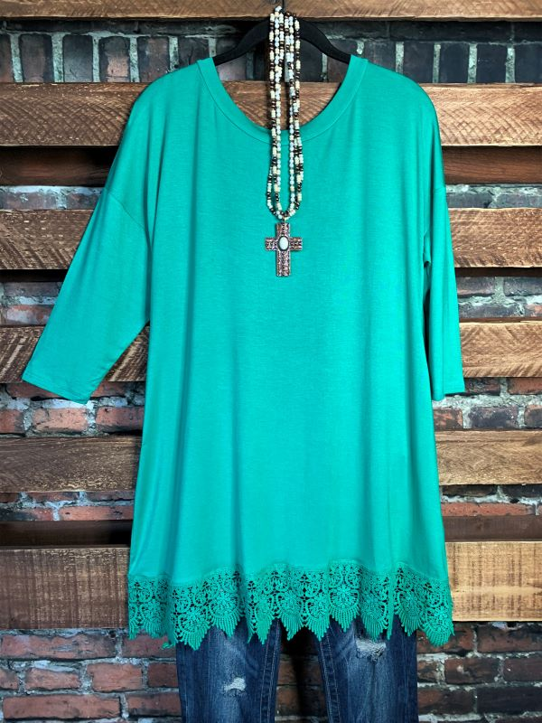 WHEREVER YOU GO LACE PRETTY T-SHIRT TUNIC 3Q SLEEVE IN JADE