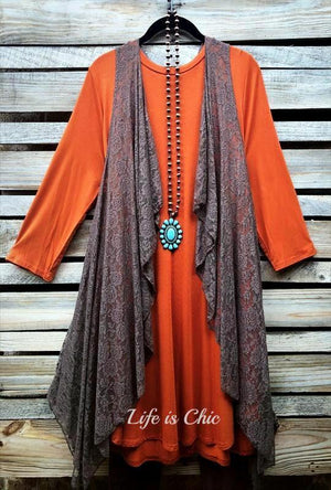 LOVE THIS FEELING CASUAL T-TUNIC IN RUST