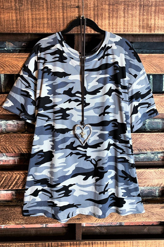 CAMO 2 PIECE SET TOP & SHORT MULTI-COLOR
