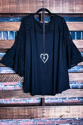 LOVING GOOD VIBES LIGHTWEIGHT GAUZE KIMONO IN CHARCOAL