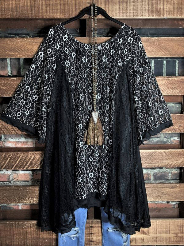 INSPIRED BY BEAUTY LACE 2PCS SET TUNIC & SLIP TOP IN BLACK