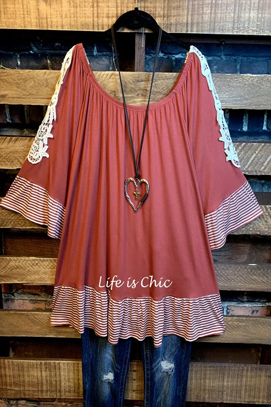 EVERY NEW MOMENT LACE TUNIC IN BURNT ORANGE MIX