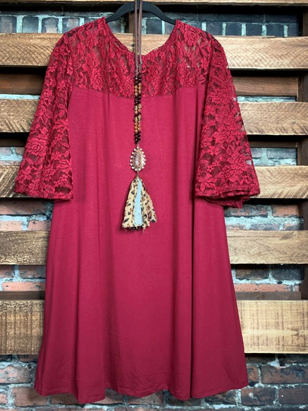 LOVING LIFE TUNIC LACE IN BURGUNDY------------sale