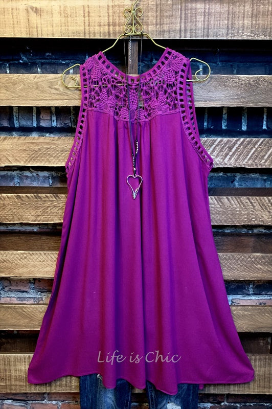 PRETTY PASSIONS LACE DRESS IN WINE ---M ---------sale
