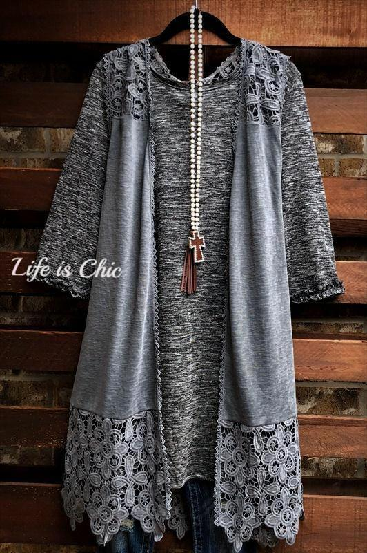 L'AMOUR INFINITE LACE VEST IN GRAY