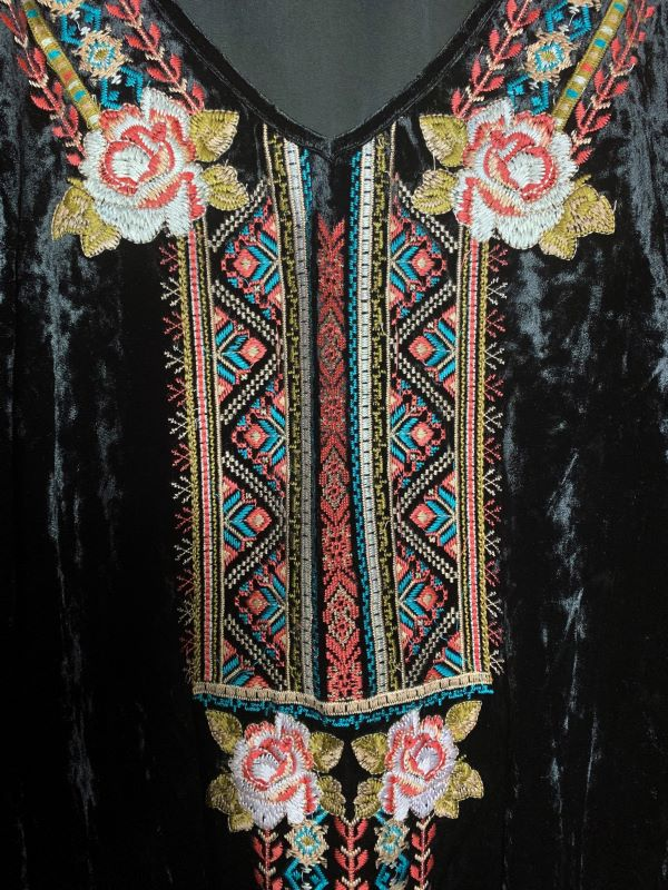 GYPSY FLEUR D'NIGHT EMBROIDERED VELVET TUNIC IN BLACK