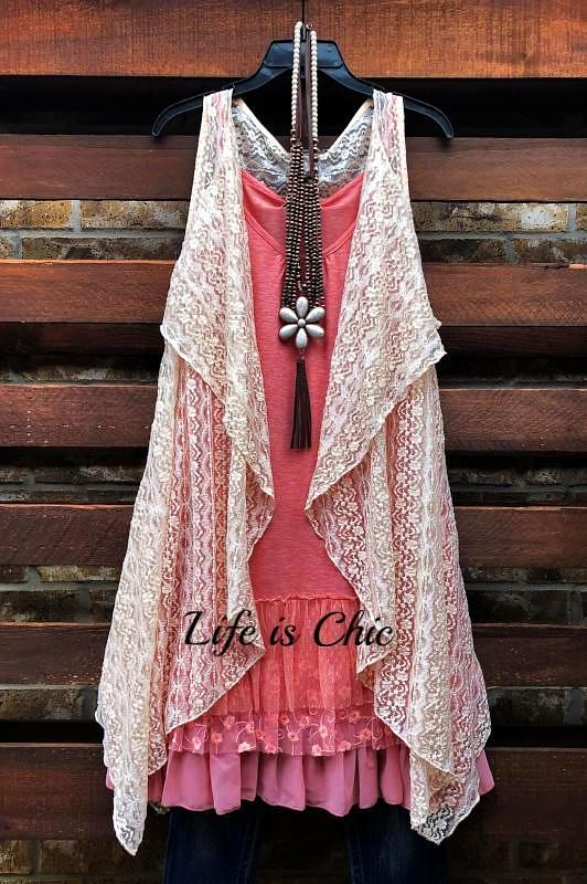 D'AMORE DREAM LACE ASYMMETRIC VEST IN BEIGE