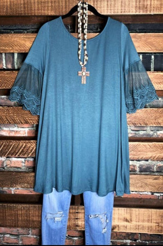A LOVE THAT WILL LAST FOREVER LACE EMBROIDERED BELL SLEEVE TUNIC IN LAVENDER