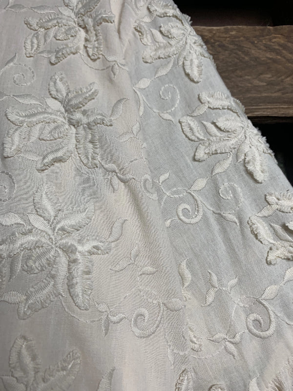 FIORI DI AMORE FLORAL LACE EMBROIDERED DRESS IN BEIGE -----sale