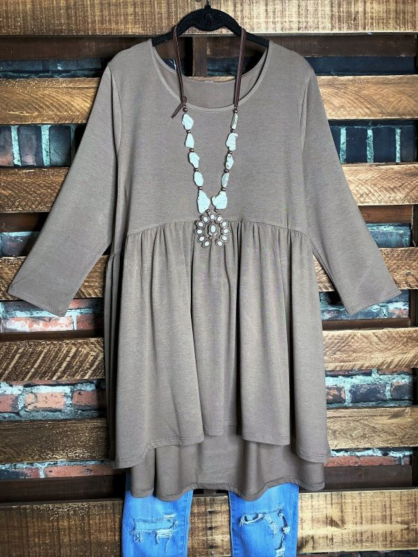 JUST THE SIMPLE THINGS CASUAL COMFY BABYDOLL TOP IN MOCHA