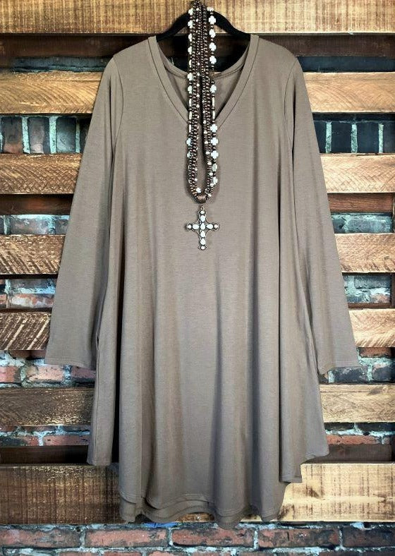 THE WONDERFUL SO-SOFT CASUAL DRESS TUNIC IN MOCHA