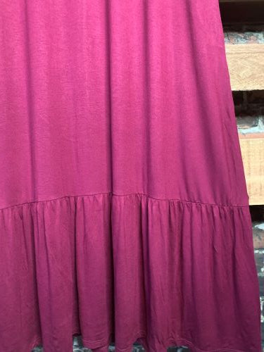 DEFINE COMFORT & DARLING MAXI DRESS IN BURGUNDY