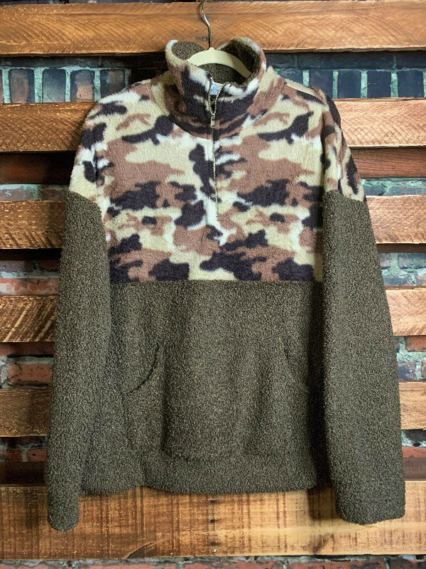 COZY SHERPA POCKETED CAMO SWEATER IN OLIVE------------------sale