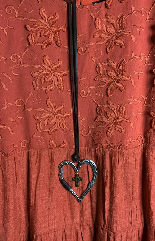 FIORI DI AMORE FLORAL LACE EMBROIDERED DRESS IN RUST-------sale