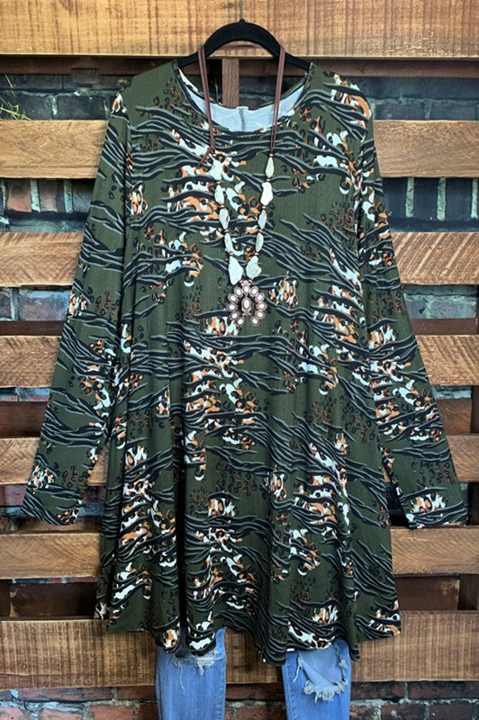 BEAUTY & CURVY LIFE IS CHIC COLLECTION DRESS LONG SLEEVE IN GREEN MIX  3X-4X-5X