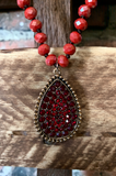 STARS SPARKLES CRYSTAL NECKLACE IN RED