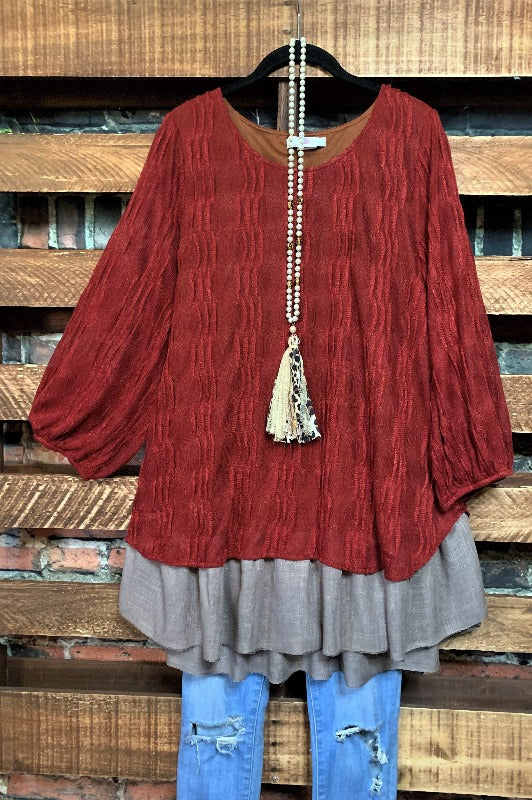 ENCHANTED WITH YOUR LOVE PRETTY BLOUSE IN BURGUNDY