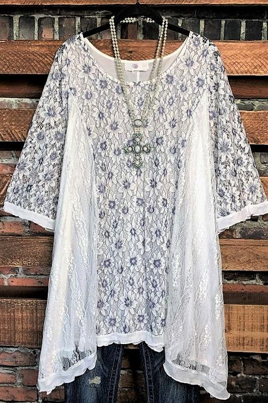 INSPIRED BY BEAUTY LACE 2PCS SET TUNIC & SLIP TOP IN WHITE