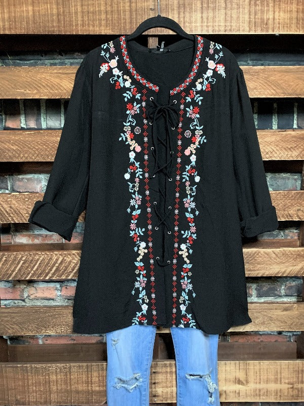 YOU FOUND MY HEART PRETTY EMBROIDERED TUNIC IN BLACK PLUS SIZE