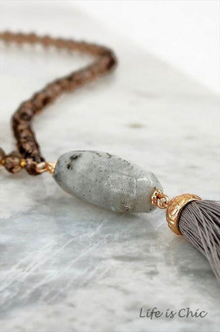 FANCY FINISH LAYERED PEARL BEAD NECKLACE IN GRAY