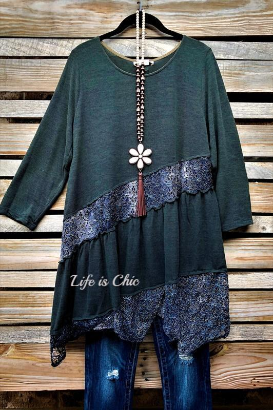 EVERYDAY BEAUTY LACE TUNIC IN DARK FOREST GREEN
