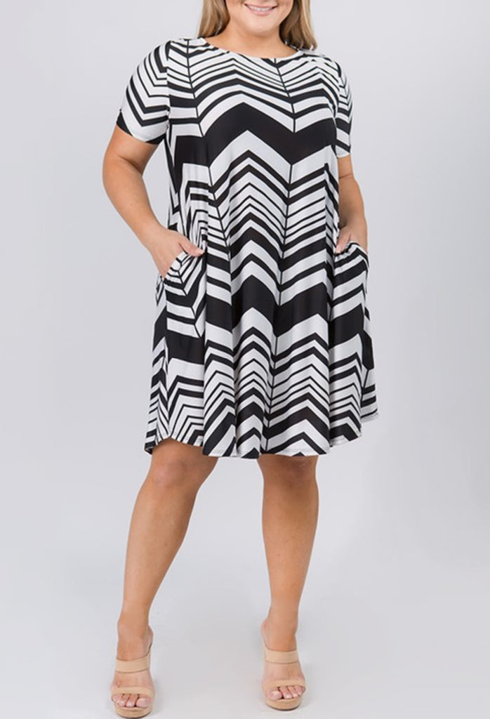 INSPIRE CHIC PRINT DRESS IN BLACK & WHITE