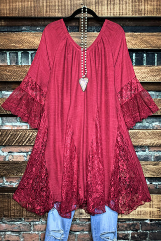 LOVE SO STRONG TOP MULTI LAYERED IN CRIMSON