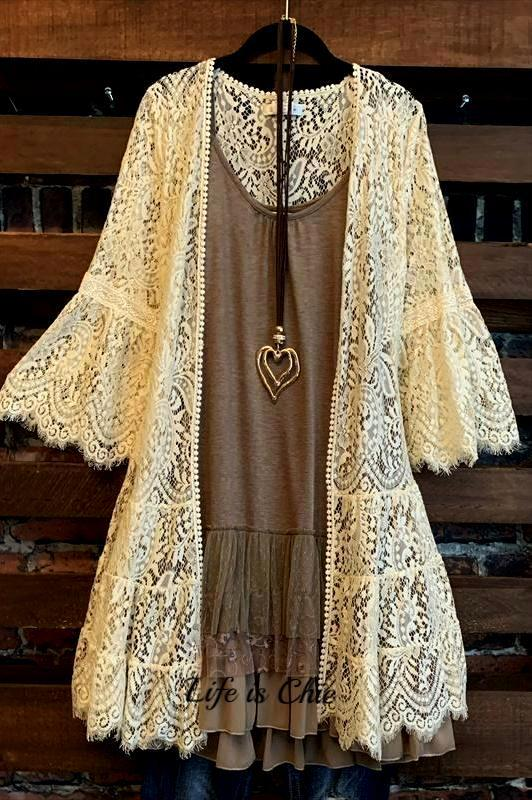 FOREVER DIVINE LACE CARDIGAN OVERSIZED IN BEIGE