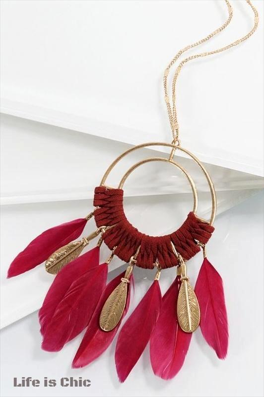 MAGIC FEATHERS BOHO SUEDE NECKLACE IN BURGUNDY