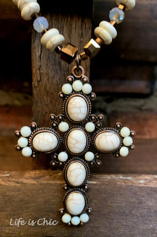 LE CROSS NECKLACE VINTAGE INSPIRED IN BROWN