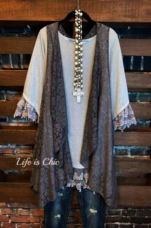 ENCHANT MY DREAMS LACE DRESS IN LIGHT GRAY