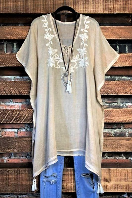 embroidered 100 % cotton tunic parchment